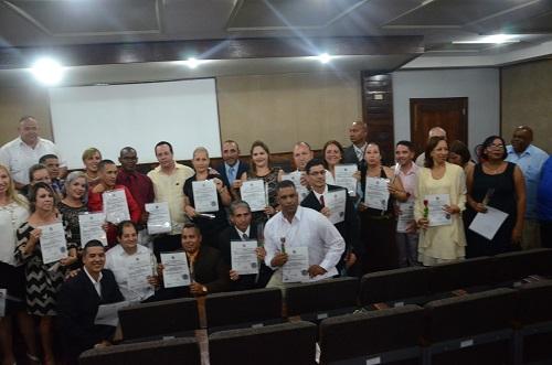 graduación de especialistas en Organización y Administración de Salud y Bioestadística.